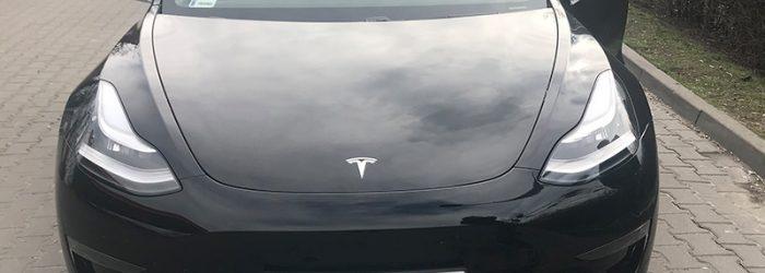 pojazdy-elektryczne-tesla-model-3